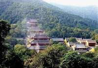 Hangzhou Hiking Tour  -- Temple Visiting and North Peak