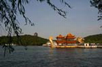 West Lake Panoramic Cruising Tour